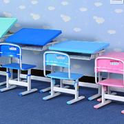 小学生专用学习桌设计