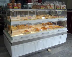 温馨时尚的蛋糕店展柜装修效果图一览