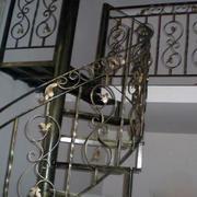 铁饰旋转楼梯