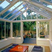 斜顶玻璃挡板阳光房设计