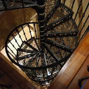 私人别墅旋转楼梯