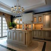美式厨房灯饰布置