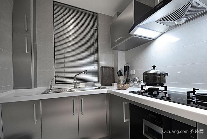 简单中的凝聚之美:小厨房白色马赛克墙面装修效果图