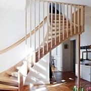 木制复式旋转楼梯