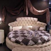 婚房圆形床睡觉
