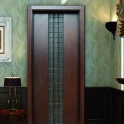 原木设计的套装门