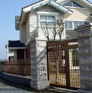 十分昂贵的别墅大门装修设计效果图