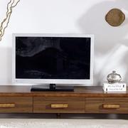 低矮原木电视柜设计