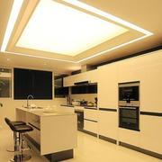 厨房踢脚线设计