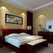 浅色卧室壁纸装修