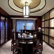 餐桌圆形吊顶设计