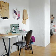 黑色办公桌椅子效果图