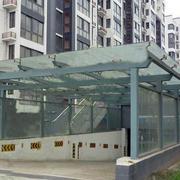 钢化玻璃特色雨棚装修