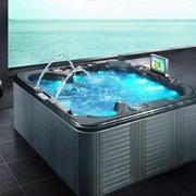 现代化浴缸设计