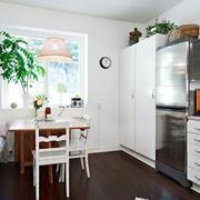 公寓客餐厅一体化餐桌设计
