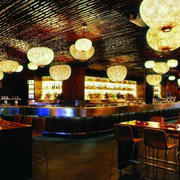 酒吧圆形吊灯设计