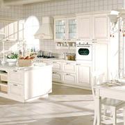 欧式纯白色橱柜装修