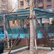 浅蓝色雨棚设计