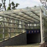 地下室雨棚设计