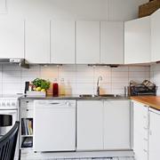 公寓白色厨房装修
