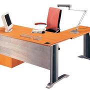 办公桌灯饰设计