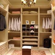 原木整体衣柜