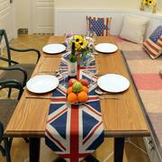 美式餐厅桌椅装饰