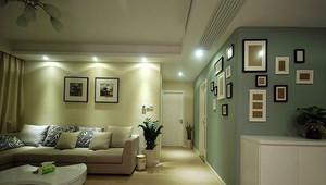 客厅很有温馨感的照片墙设计效果图