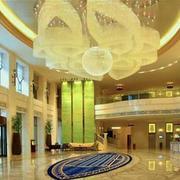 酒店大堂巨型灯饰设计