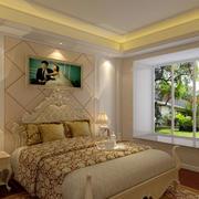 小房间欧式床饰