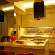 暖色系厨房效果图