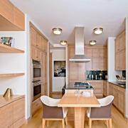 全原木设计的餐厅橱柜