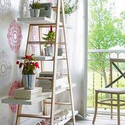 阳台木制花架设计