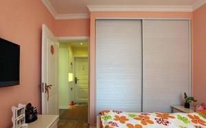 简约大气的卧室整体壁柜装修效果图