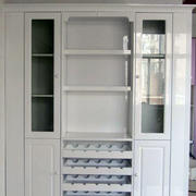 纯白色原木搭配玻璃隔断的酒柜效果图设计