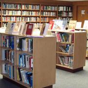 书店小柜架装修