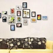 沙发照片墙设计