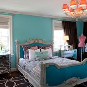 卧室床头彩色背景墙
