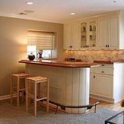 客厅小吧台设计