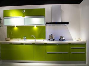 果绿色橱柜设计