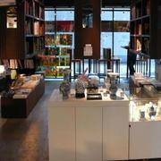 极具现代化的书店装修