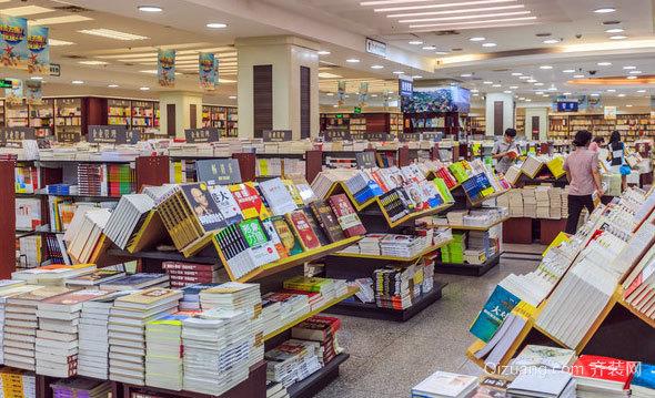 放上千万本的书店装修效果图