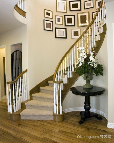 让您刻骨铭心的楼梯照片墙装修设计效果图