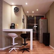 白色小吧台设计