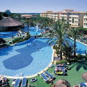 度假村游泳池
