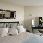 简约白色卧室装修