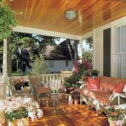 布局很好的露台花园