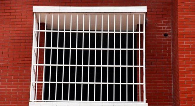 实用的不锈钢防盗窗效果图