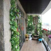 绿意盎然的阳台设计