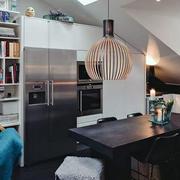 斜顶阁楼厨房餐厅装修